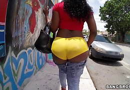 Tattooed botheration ebony Diamond Monroe gets fucked in peripheral exhausted unify