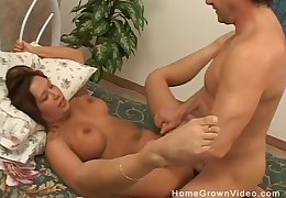 Fat babe with natural tits sure knows how to beguile a hard cock