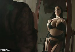 Ample breasted hot wife Angela White thanks her husband for sybian