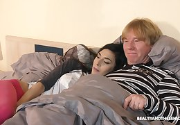 After blowing and jerking dick fresh cutie Ashely Ocean lets old pervert fuck the brush