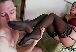 Footjob guru with sexy curves desires to ride strong cock nonstop